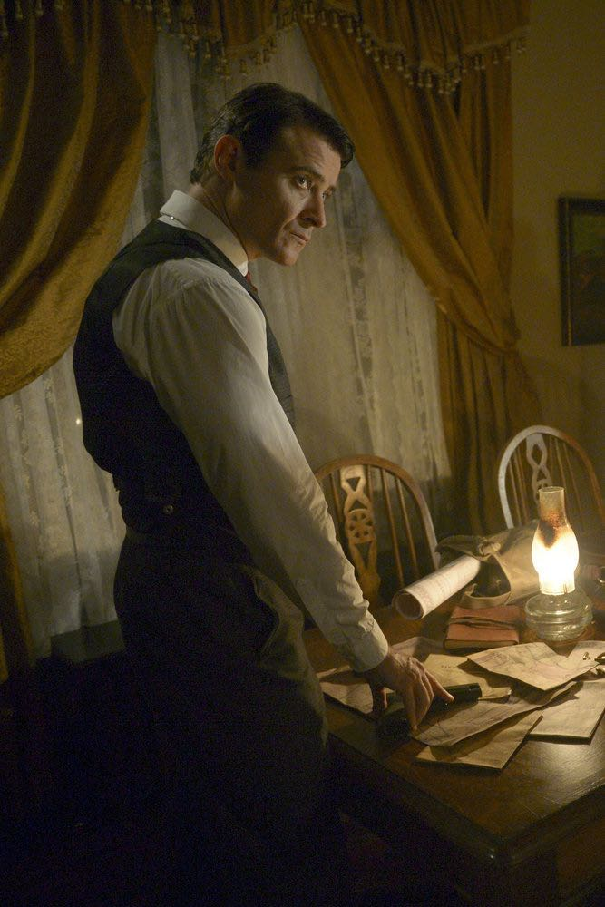 """TIMELESS -- """"The Assassination of Abraham Lincoln"""" Episode 101 -- Pictured: Goran Visnjic as Garcia Flynn -- (Photo by: Sergei Bachlakov/NBC)"""