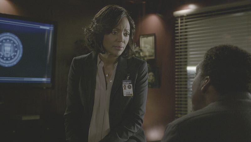 """Mirror Image"" -- The BAU team opens an investigation when a man who fully believes he's Dr. Tara Lewis' (Aisha Tyler) brother arrives in town, knowing everything about her and her family, and she is unable to make contact with her real sibling, on CRIMINAL MINDS, Wednesday, Nov. 30 (9:00-10:00 PM, ET/PT), on the CBS Television Network. Series star Joe Mantegna directed the episode. Pictured: Aisha Tyler (Dr. Tara Lewis) Photo: CBS ©2016 CBS Broadcasting, Inc. All Rights Reserved"