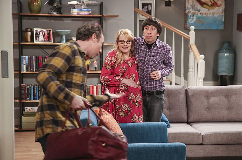 """""""The Property Division Collision"""" -- Pictured: Stuart (Kevin Sussman), Bernadette (Melissa Rauch) and Howard Wolowitz (Simon Helberg). Sheldon and Leonard try to divvy up their shared belongings, but can't agree on anything. Also, Koothrappali and Stuart fight to be the most helpful during Bernadette's final weeks of pregnancy, on THE BIG BANG THEORY, Thursday, Dec. 1 (8:00-8:31 PM, ET/PT), on the CBS Television Network. Christopher Lloyd guest stars as Theodore. Photo: Michael Yarish/Warner Bros. Entertainment Inc. © 2016 WBEI. All rights reserved."""