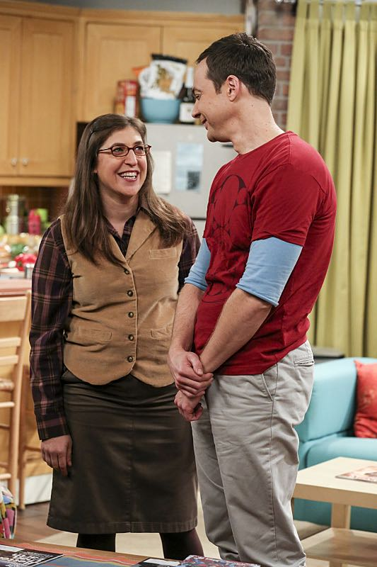 """""""The Property Division Collision"""" -- Pictured: Amy Farrah Fowler (Mayim Bialik) and Sheldon Cooper (Jim Parsons). Sheldon and Leonard try to divvy up their shared belongings, but can't agree on anything. Also, Koothrappali and Stuart fight to be the most helpful during Bernadette's final weeks of pregnancy, on THE BIG BANG THEORY, Thursday, Dec. 1 (8:00-8:31 PM, ET/PT), on the CBS Television Network. Christopher Lloyd guest stars as Theodore. Photo: Michael Yarish/Warner Bros. Entertainment Inc. © 2016 WBEI. All rights reserved."""