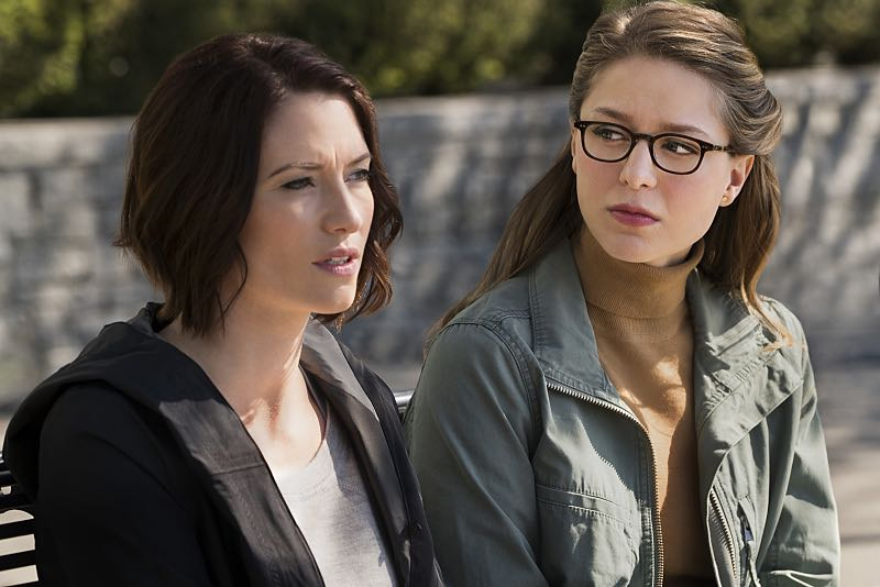 """Supergirl -- """"Changing"""" -- Image SPG206a_0103 -- Pictured (L-R): Chyler Leigh as Alex Danvers and Melissa Benoist as Kara -- Photo: Liane Hentscher/The CW -- © 2016 The CW Network, LLC. All Rights Reserved"""