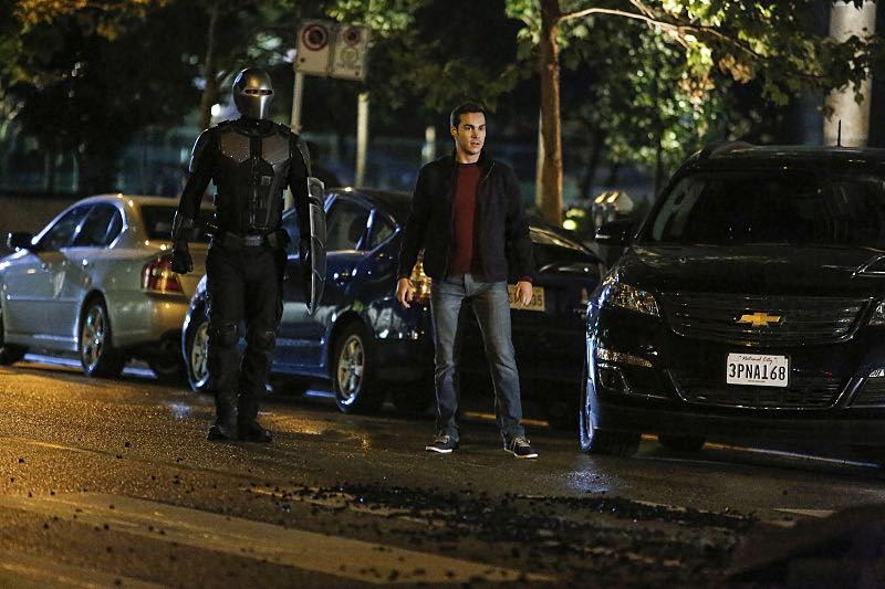 """Supergirl -- """"Changing"""" -- Image SPG206b_0158 -- Pictured (L-R): Mehcad Brooks as James Olsen / Guardian and Chris Wood as Mike/Mon-El -- Photo: Bettina Strauss /The CW -- © 2016 The CW Network, LLC. All Rights Reserved"""