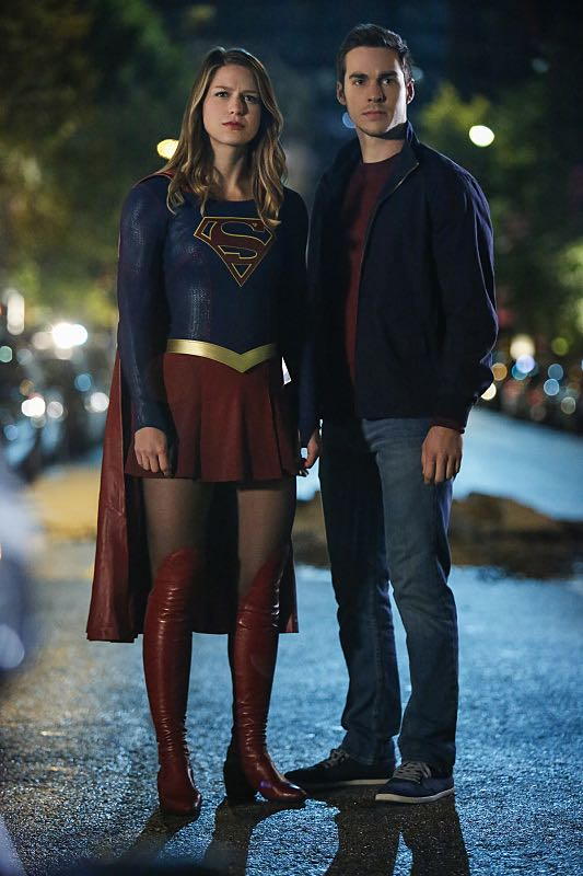 """Supergirl -- """"Changing"""" -- Image SPG206b_0188 -- Pictured (L-R): Melissa Benoist as Kara/Supergirl and Chris Wood as Mike/Mon-El -- Photo: Bettina Strauss /The CW -- © 2016 The CW Network, LLC. All Rights Reserved"""