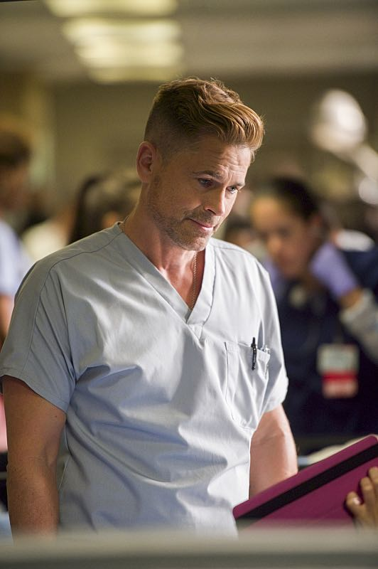 """""""Hero Complex"""" -- Malaya must inform a college student who regains consciousness at Angels Memorial that she's the victim of a rape, and Willis and Campbell butt heads over a terminally ill woman who wants to end her life on her own terms, on CODE BLACK, Wednesday, Nov. 9 (10:00-11:00 PM, ET/PT), on the CBS Television Network. Annabeth Gish guest stars as Geraldine, the mother of the terminally ill girl; Richard Lewis guest stars as Stewart, a stand-up comedian who collapsed while on stage, and Stephen Culp returns as Desmond Leighton, Angus and Mike's father. Pictured: Rob Lowe (Col. Ethan Willis) Photo: Neil Jacobs/CBS ©2016 CBS Broadcasting, Inc. All Rights Reserved"""
