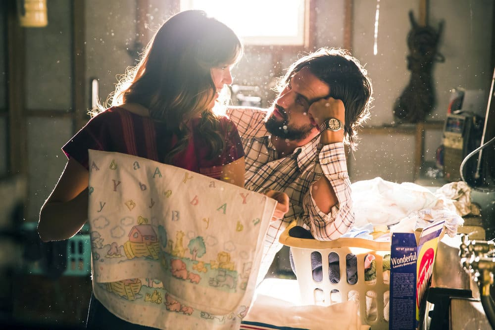 "THIS IS US -- ""The Best Washing Machine in the Whole World "" Episode 107 -- Pictured: (l-r) Mandy Moore as Rebecca, Milo Ventimiglia as Jack -- (Photo by: Ron Batzdorff/NBC)"