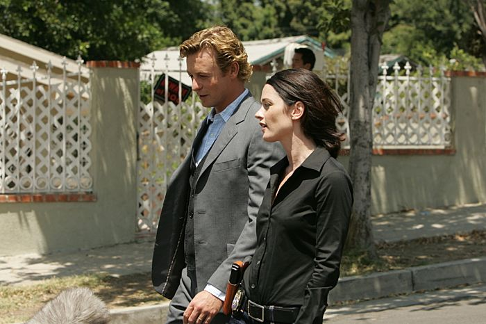 THE MENTALIST Season 1 Episode 2 Red Hair And Silver Tape | SEAT42F