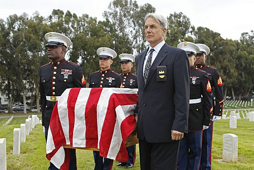"""""""Pyramid"""" -- The lives of NCIS members are in jeopardy when they come face-to-face with the infamous Port-to-Port killer, on the eighth season finale of NCIS, Tuesday, May 17 (8:00-9:00 PM, ET/PT) on the CBS Television Network. Pictured: Mark Harmon Photo: Cliff Lipson/CBS ©2011 CBS Broadcasting Inc. All Rights Reserved"""