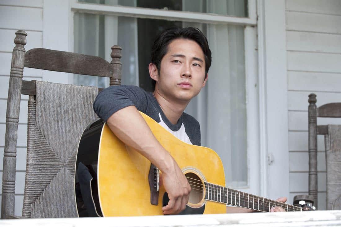 Glenn (Steven Yeun) - The Walking Dead - Season 2, Episode 5
