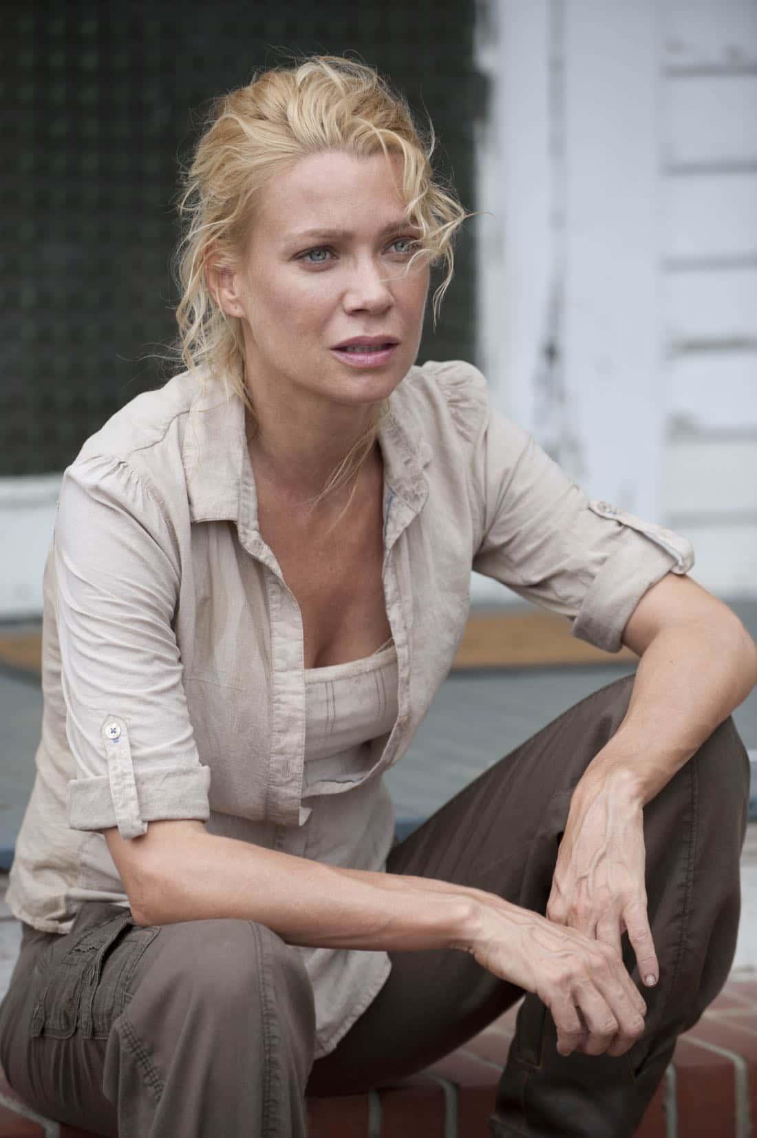 Andrea (Laurie Holden) - The Walking Dead - Season 2, Episode 5