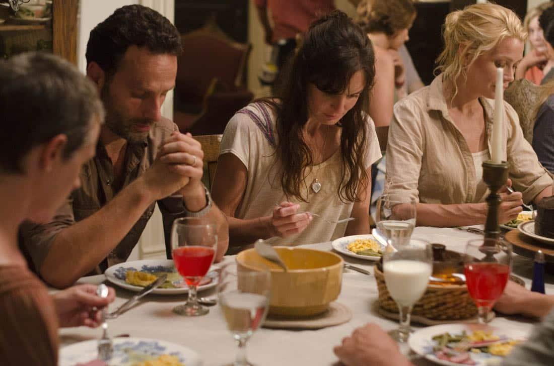 (L-R) Carol (Melissa Suzanne McBride), Rick Grimes (Andrew Lincoln), Lori Grimes (Sarah Wayne Callies) and Andrea (Laurie Holden) - The Walking Dead - Season 2, Episode 5