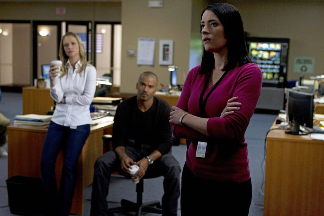 A Thin Line-- For Emily Prentiss (Paget Brewster, right), this latest case of home invasions and murders in California means the BAU team including Jennifer JJ Jareau (AJ Cook, left) and Derek Morgan (Shemar Moore) must figure out who and why, on CRIMINAL MINDS, Wednesday, February 22 (9:00-10:00 PM, ET/PT) on the CBS Television Network. Photo: Cliff Lipson/CBS ©2012 CBS Broadcasting Inc. All Rights Reserved.