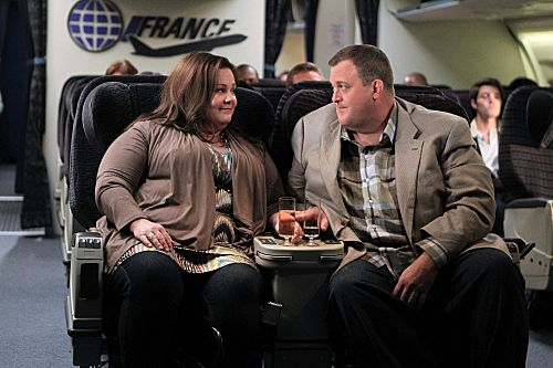 """""""The Honeymoon is Over"""" -- Mike (Billy Gardell) and Molly (Melissa McCarthy) discuss Mike's new obsession with traveling the world. Photo: Sonja Flemming/CBS ©2012 CBS Broadcasting Inc. All Rights Reserved."""