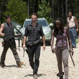 Daryl Dixon (Norman Reedus), Rick Grimes (Andrew Lincoln), Michonne (Danai Gurira) and Oscar (Vincent Ward) - The Walking Dead - Season 3, Episode 7