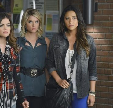 PRETTY LITTLE LIARS Season 3 Episode 19 What Becomes Of The Broken Hearted