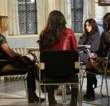 PRETTY LITTLE LIARS Season 3 Episode 23 I'm Your Puppet