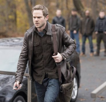"""Agent Weston (Shawn Ashmore) takes a break from work in the """"Welcome Home"""" episode of THE FOLLOWING"""