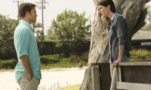 Michael C. Hall as Dexter Morgan and Jennifer Carpenter as Debra Morgan in Dexter (Season 8, episode 10)