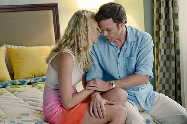 Yvonne Strahovski as Hannah McKay and Michael C. Hall as Dexter Morgan in Dexter (Season 8, episode 12)