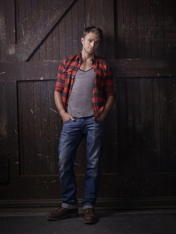 Wilson Bethel as Wade Kinsella HART OF DIXIE