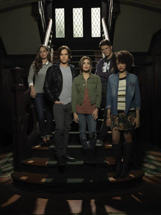 """ABC Family's """"Ravenswood"""" stars Merritt Patterson as Olivia Matheson, Tyler Blackburn as Caleb Rivers, Nicole Gale Anderson as Miranda, Brett Dier as Luke Matheson and Britne Oldford as Remy Bueaumont"""