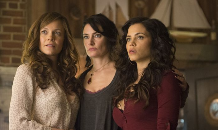 Witches Of East End 2x01 10