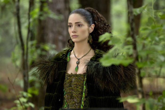 Salem 1x13 04