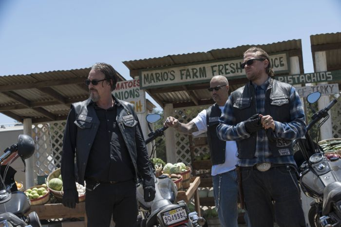 "Tommy Flanagan as Filip 'Chibs' Telford, David Labrava as Happy Charlie Hunnam as Jackson ""Jax"" Teller"