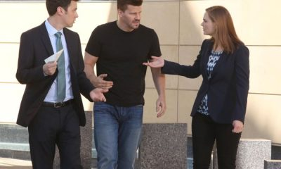 BONES: Brennan (Emily Deschanel, R) Booth (David Boreanaz, C) and Sweets (John Francis Daley, L) decide how to move forward in their case