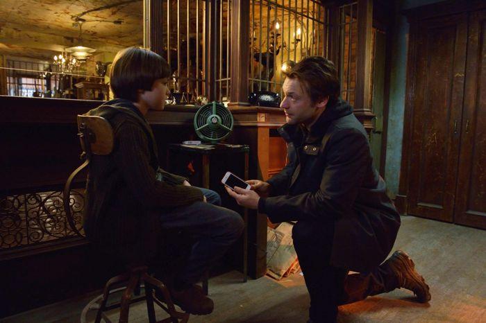 Ben Hyland as Zack Goodweather, Corey Stoll as Ephraim Goodweather The Strain