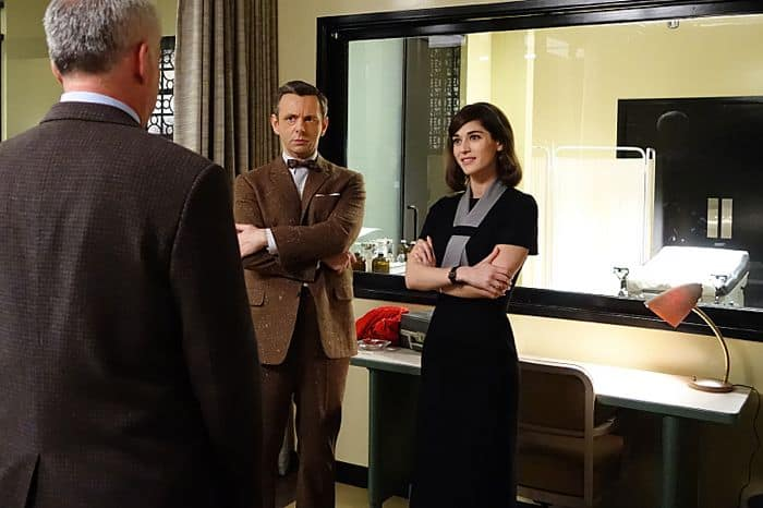 Adam Arkin as Shep Tally, Michael Sheen as Dr. William Masters and Lizzy Caplan as Virginia Johnson in Masters of Sex (season 2, episode 10)