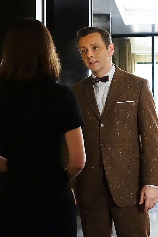 Lizzy Caplan as Virginia Johnson and Michael Sheen as Dr. William Masters in Masters of Sex (season 2, episode 10)