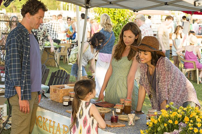 Dominic West as Noah, Leya Catlett as Stacey, Ruth Wilson as Alison and Kaija Matis as Mary-Kate in The Affair (season 1, episode 2)