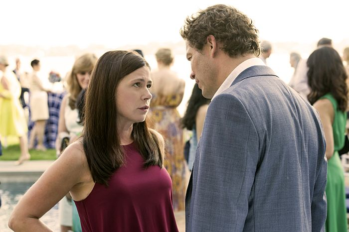 Maura Tierney as Helen and Dominic West as Noah in The Affair (season 1, episode 2)