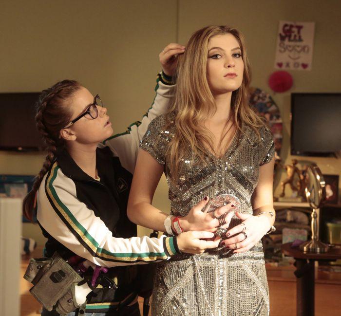 RED BAND SOCIETY:  L-R: Watergirl (Jesse Innis) helps Kara (Zoe Levin)