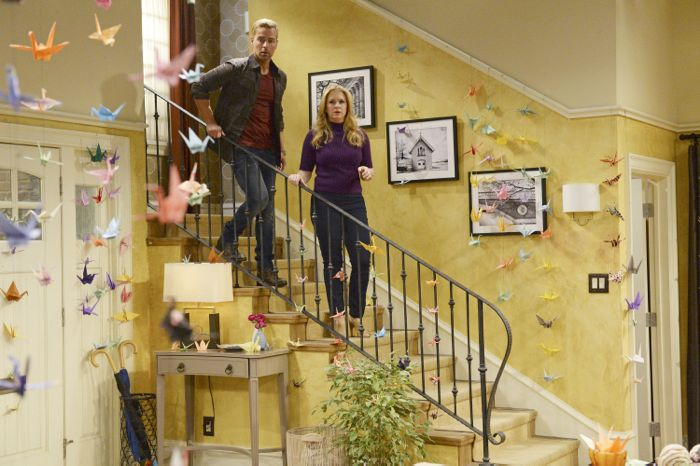 """MELISSA & JOEY - """"Call of Duty"""" - Mel and Joe are so beside themselves that Ryder wants to join the Navy on the summer premiere of """"Melissa & Joey,"""" airing Wednesday, June 3rd (8:00PM ET/PT) on ABC Family. (ABC Family/Eric McCandless) JOEY LAWRENCE, MELISSA JOAN HART"""