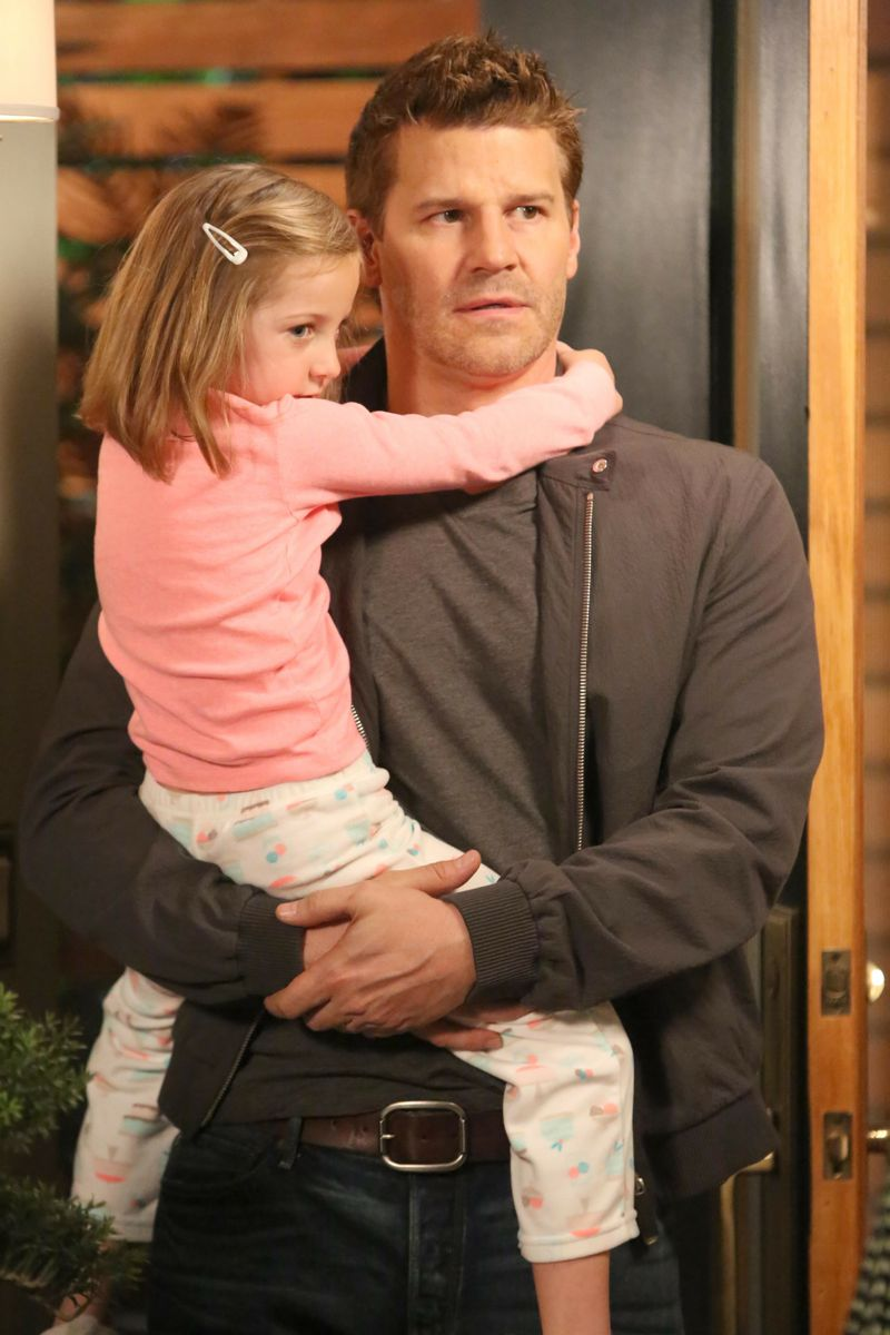 """BONES:   Booth (David Boreanaz, R) tries to make amends with Brennan in the """"The Woman in the Whirlpool"""" episode of BONES airing Thursday, May 28 (8:00-9:00 PM ET/PT) on FOX.  Also pictured:  guest star Sunnie Pelant, L. ©2015 Fox Broadcasting Co.  Cr:  Patrick McElhenney/FOX"""
