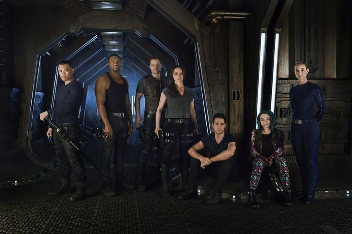 DARK MATTER -- Season:1 -- Pictured: (l-r) Alex Mallari Jr. as Four, Roger Cross as Six, Anthony Lemke as Three, Melissa O'Neil as Two, Mark Bendavid as One, Jodelle Ferland as Five, Zoie Palmer as The Adroid -- (Photo by: Dennys/Ilic/Syfy) Fridays on Syfy (10-11 p.m. ET)
