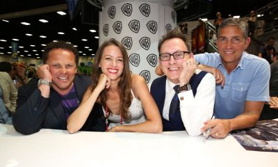 PERSON OF INTEREST stars (L-R) Kevin Chapman, Amy Acker, Michael Emerson and Jim Caviezel during the show's signing in the Warner Bros. booth on Saturday, July 11, at Comic-Con 2015. #WBSDCC (© 2015 WBEI. All Rights Reserved.)