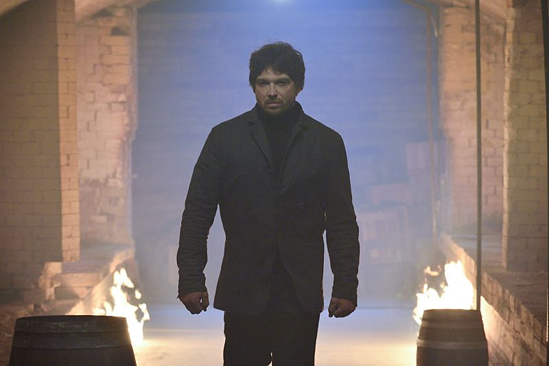 "Beauty and the Beast -- ""Patient X"" -- Image Number: BB310a_0236.jpg -- Pictured: Jason Gedrick as Liam -- Photo: Ben Mark Holzberg/The CW -- © 2015 The CW Network, LLC. All rights reserved."