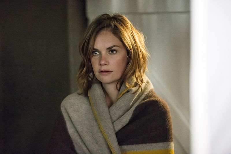 Ruth WIlson as Alison in The Affair (season 2, episode 5). - Photo: Mark Schafer/SHOWTIME - Photo ID: TheAffair_205_1805
