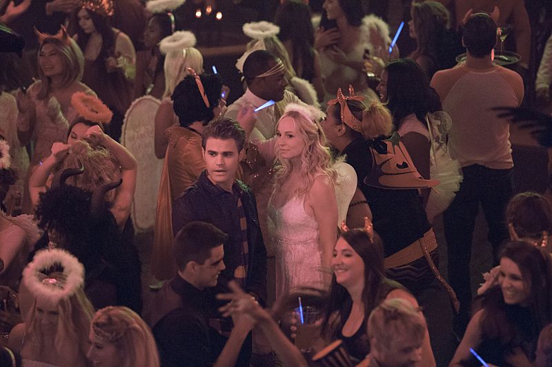 """The Vampire Diaries -- """"I Carry Your Heart With Me"""" -- Image Number: VD704a_0161.jpg -- Pictured (L-R): Paul Wesley as Stefan and Candice King as Caroline -- Photo: Bob Mahoney/The CW -- © 2015 The CW Network, LLC. All rights reserved."""