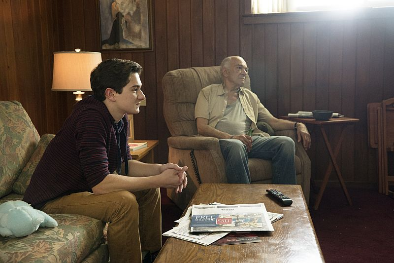 Jake Richard Siciliano as Martin and Mark Margolis as Arthur in The Affair (season 2, episode 4). - Photo: Mark Schafer/SHOWTIME - Photo ID: TheAffair_204_6290