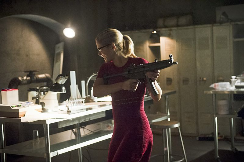 """Arrow -- """"Restoration"""" -- Image AR403A_0045.jpg -- Pictured: Emily Bett Rickards as Felicity Smoak -- Photo: Diyah Pera /The CW -- © 2015 The CW Network, LLC. All Rights Reserved."""