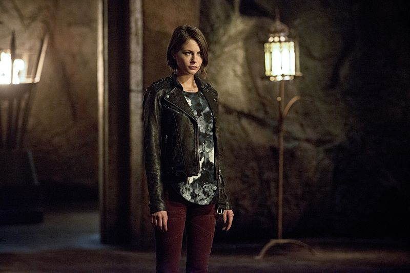 """Arrow -- """"Restoration"""" -- Image AR403B_0138b.jpg -- Pictured: Willa Holland as Thea Queen -- Photo: Diyah Pera /The CW -- © 2015 The CW Network, LLC. All Rights Reserved."""