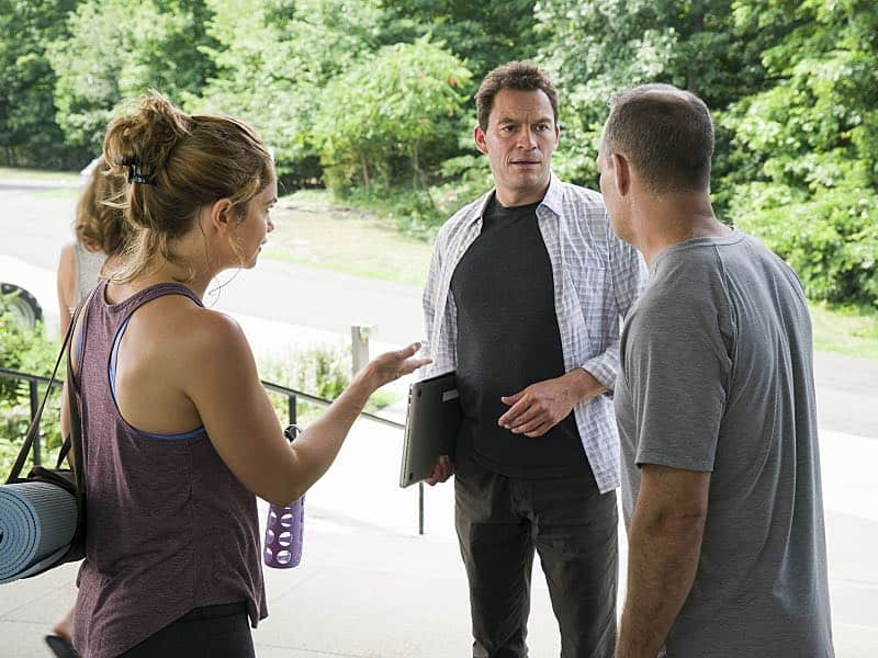 Ruth WIlson as Alison and Dominic West as Noah in The Affair (season 2, episode 6). - Photo: Mark Schafer/SHOWTIME - Photo ID: TheAffair_206_5406
