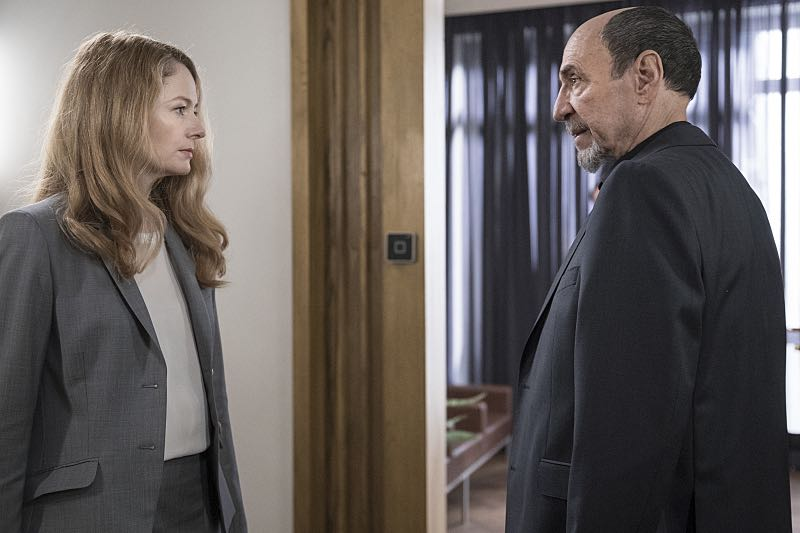 Miranda Otto as Allison Carr and F. Murray Abraham as Dar Adal in Homeland (Season 5, Episode 6). - Photo: Stephan Rabold/SHOWTIME - Photo ID: Homeland_506_5280.R