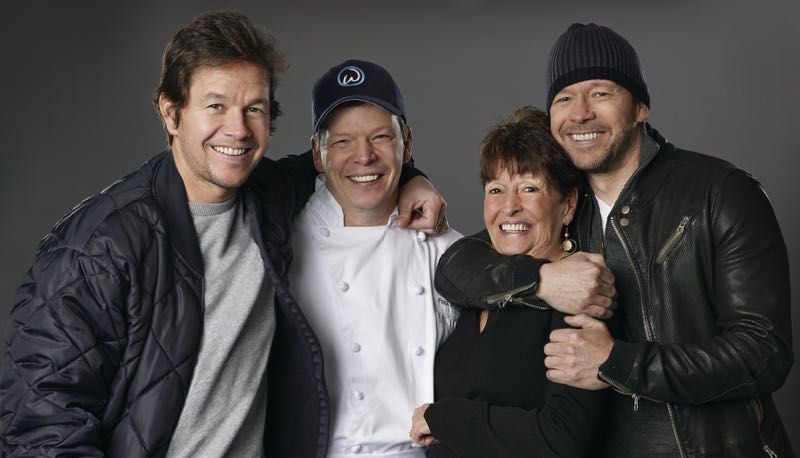 WAHLBURGERS Mark Donnie A&E