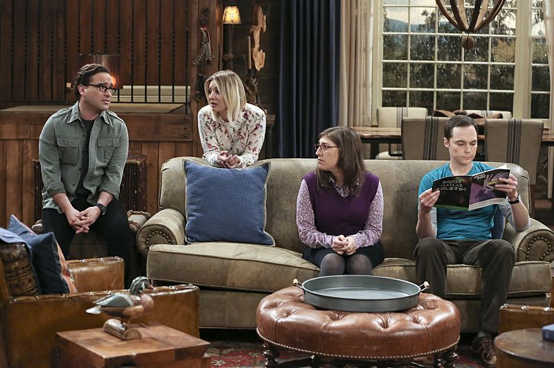 """""""The Big Bear Precipitation"""" -- Sheldon (Jim Parsons, right) spills a secret of Leonard's (Johnny Galecki, left) when the two take a weekend cabin trip with Penny and Amy, on THE BIG BANG THEORY, Thursday, April 7 (8:00-8:31 PM, ET/PT) on the CBS Television Network. Pictured left to right: Johnny Galecki, Kaley Cuoco, Mayim Bialik and Jim Parsons Photo: Michael Yarish/Warner Bros. Entertainment Inc. © 2016 WBEI. All rights reserved."""