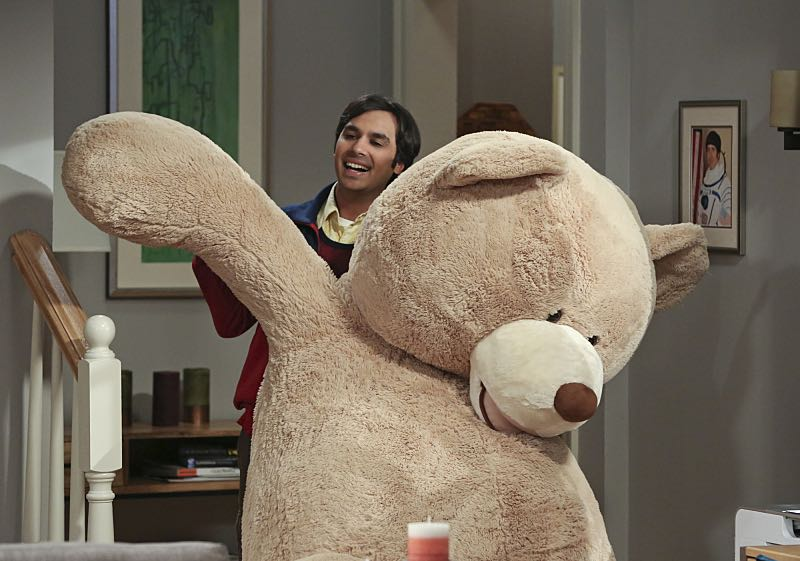 """""""The Big Bear Precipitation"""" -- When Koothrappali (Kunal Nayyar, pictured) goes overboard with pregnancy gifts, Wolowitz and Bernadette must draw the line, on THE BIG BANG THEORY, Thursday, April 7 (8:00-8:31 PM, ET/PT) on the CBS Television Network. Photo: Michael Yarish/Warner Bros. Entertainment Inc. © 2016 WBEI. All rights reserved."""