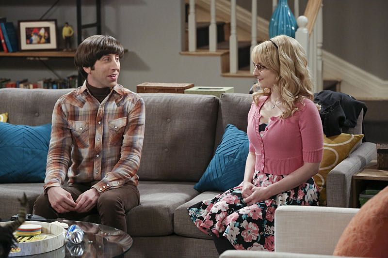 """""""The Big Bear Precipitation"""" -- When Koothrappali goes overboard with pregnancy gifts, Wolowitz (Simon Helberg, left) and Bernadette (Melissa Rauch, right) must draw the line, on THE BIG BANG THEORY, Thursday, April 7 (8:00-8:31 PM, ET/PT) on the CBS Television Network. Photo: Michael Yarish/Warner Bros. Entertainment Inc. © 2016 WBEI. All rights reserved."""